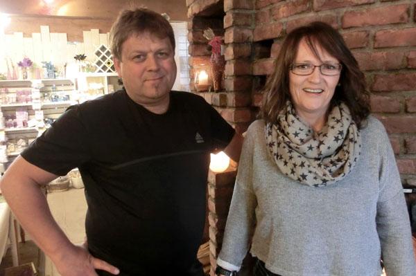 Geir Arn Opdahl og Mona Nordfjellmark er aktive eiere og drivere av Namsos Lysstøperi