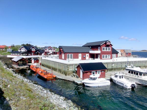 Seløy Kystferie ligger i idylliske omgivelser på øya Seløy i Herøy.