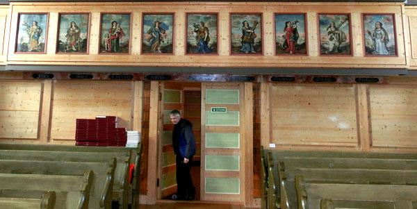 De ni katolske dydene i form av 1600-talls malerier.