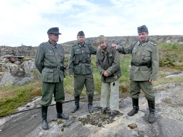Det var et historisk sus over Kystfortet i dag med skuespillere i tyske uniformer og utkledd som russiske krigsfanger.