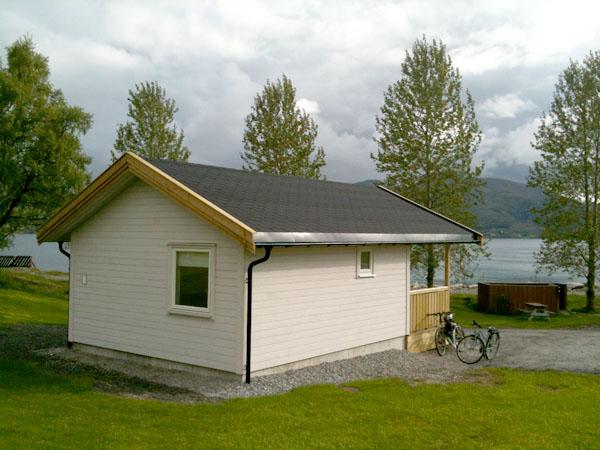 Den nybygde hytten Ruthstua på Furøy Camping.