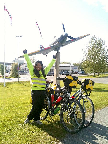 Da er målet nådd. Vi er framme i Bodø. Maggie er stolt av at hun har syklet fra Namsos til Bodø, og det har hun all grunn til å være.