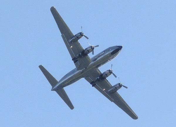 Red Bull flyet, DC-6