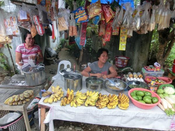 (09:06) Dagens første stopp for å kjøpe bananer