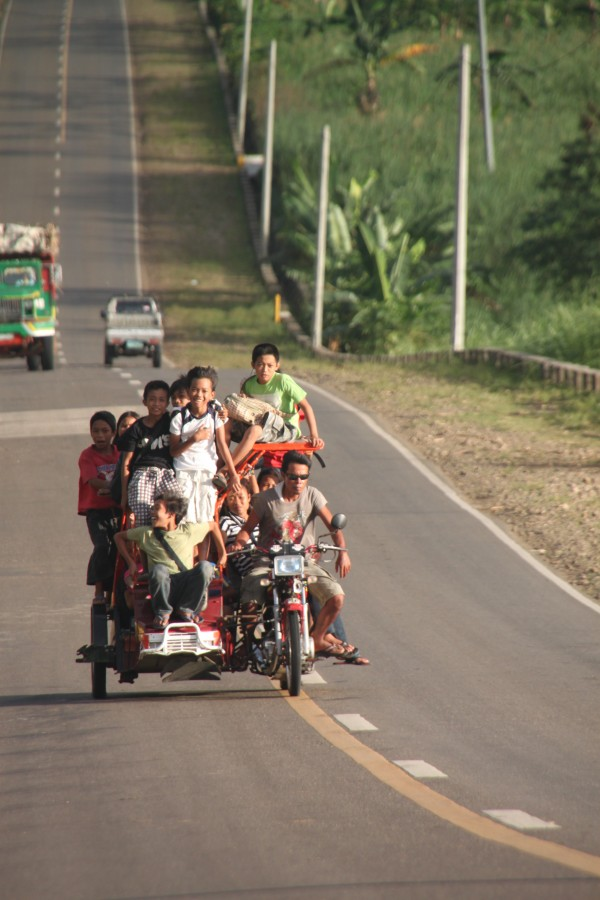 (17:07) Skoleskyss på Filippinene
