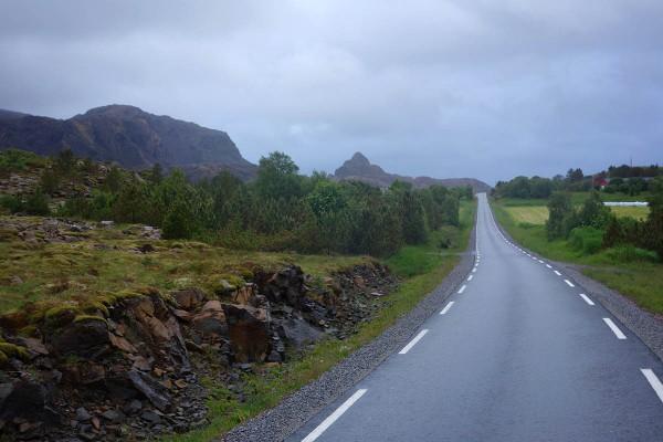Det er fint å sykle her selv om været er litt dårlig.