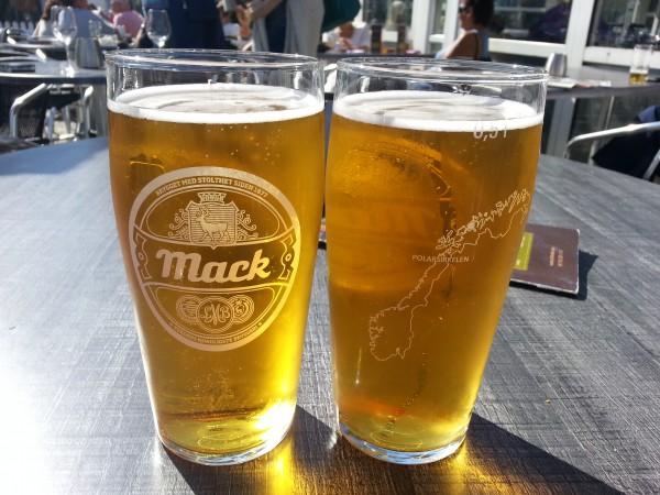 Etter 13 dager på sykkelen har vi fortjent et par kalde duggfriske øl.
