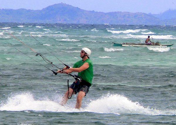 Her kiter jeg på Boracay. Det er en morsom aktivitet med trening som en bivirkning.