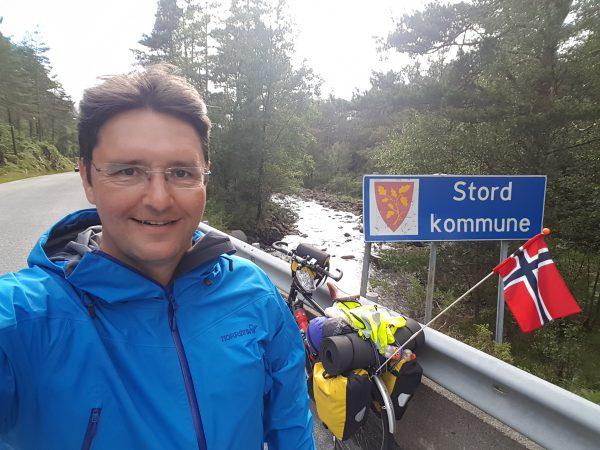 (18:30) Framme i Stord Kommune.