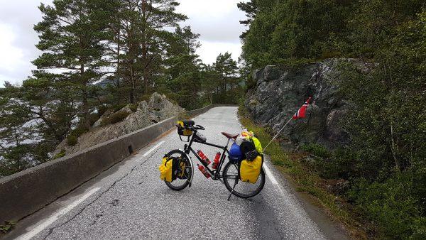 (10:24) Trange veier her på Bømlo.