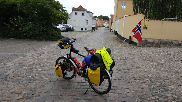 (13:25) Et av Danmarks mange svar på brostensetappen Paris-Robex i Tour de France :-)