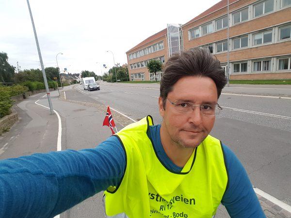 (18:30) Et sted mellom Roskilde og København på vei mot København.