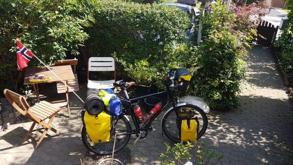 (11:00) Sykkelen er pakket og klar for neste etappe.