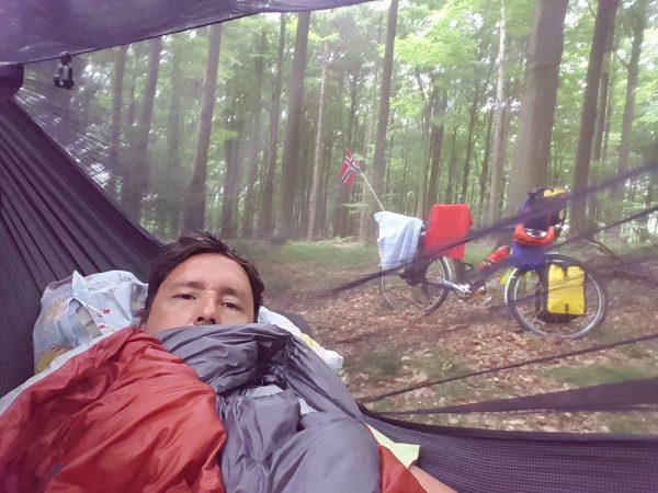 (08:00) God morgen. Jeg har sovet godt i hammocken.