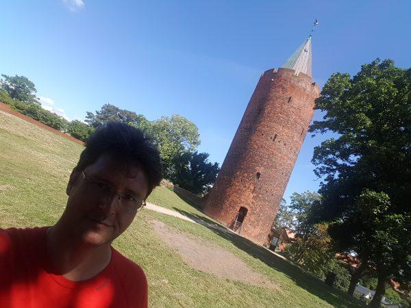 (14:10) Vordingborg - Bak meg ser dere Gåsetårnet.