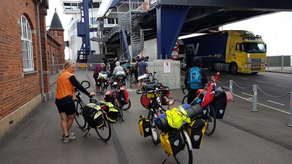 (12:50) ... alle de andre syklistene sto her. Jeg fikk omsider også til slutt beskjed om å stille meg her.