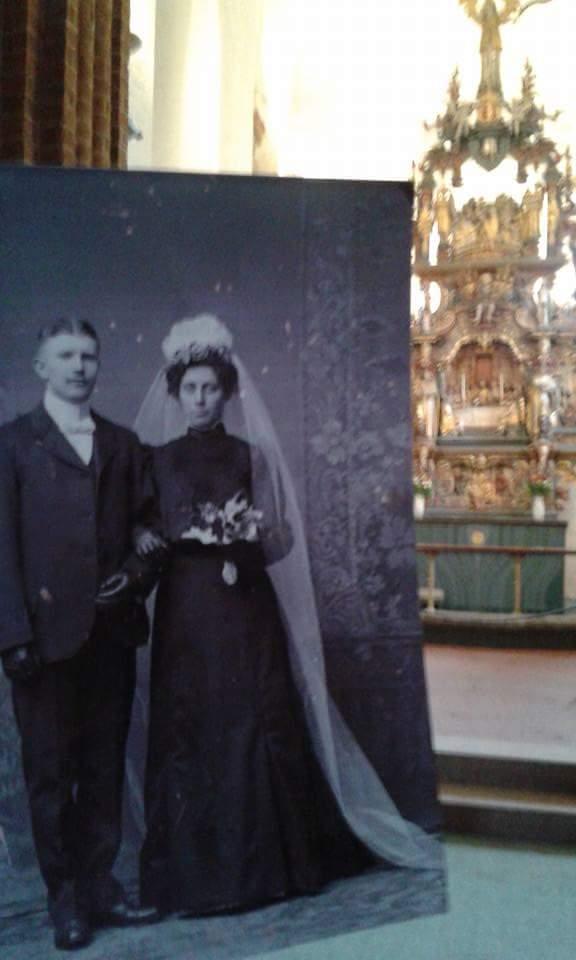 I mine forfedres fotspor. Mine oldeforeldre Ole Heinrich William Pløhn og Johanne Martine Hansen ble gift i denne kirken 17. februar i 1907
